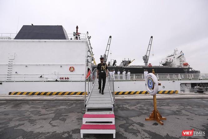 Tàu cảnh sát biển Ấn Độ chính thức đến thăm Đà Nẵng trong 4 ngày ảnh 17