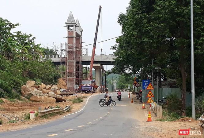 Đà Nẵng: Bất ngờ xuất hiện cầu vượt của Khu du lịch vắt ngang Quốc lộ 14G ảnh 1