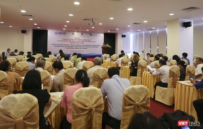 """Sáng 18/5, Hội nghị tổng kết Dự án """"Đại dương không nhựa tại Đà Nẵng và chia sẻ các kết quả, thực hành tốt với các tỉnh miền Trung"""" đã diễn ra tại Đà Nẵng với sự tham dự của đại diện Sở TNMT các tỉnh miền Trung"""