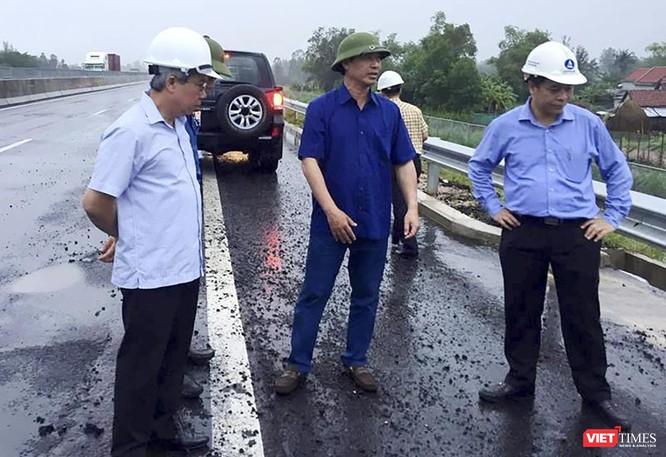 Cao tốc Đà Nẵng - Quảng Ngãi hơn 34.500 tỉ đồng lại hư hỏng, mặt đường lún tạo sống trâu ảnh 2