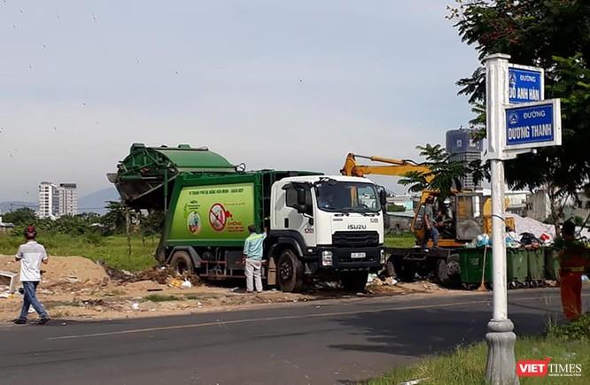 Đà Nẵng huy động cảnh sát hộ tống xe vận chuyển rác vào bãi rác Khánh Sơn ảnh 2