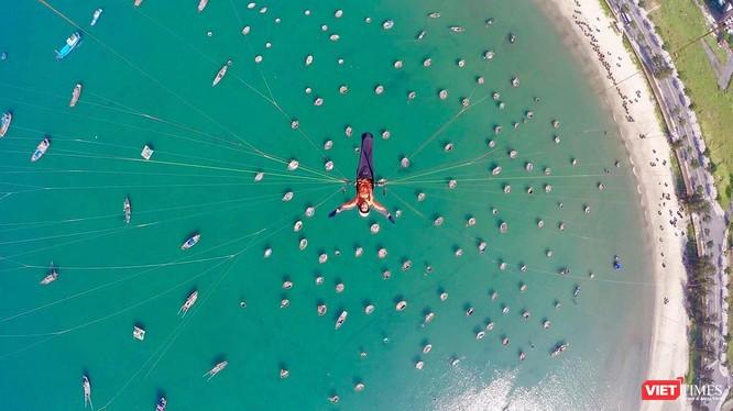 """Ngắm những cánh dù """"Bay trên Tiên Sa"""" ở Đà Nẵng ảnh 22"""
