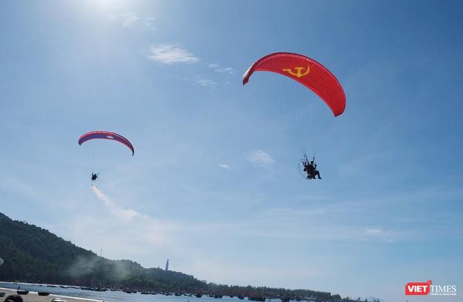 """Ngắm những cánh dù """"Bay trên Tiên Sa"""" ở Đà Nẵng ảnh 9"""