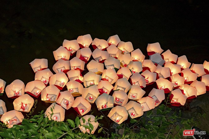 Hội An: Lung linh lễ thắp sáng 7 đài sen mùa Vu Lan ảnh 13