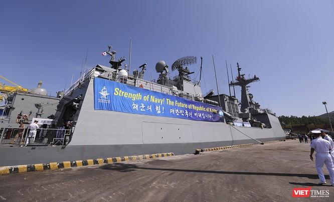 Đội tàu khu trục Hải quân Hàn Quốc chính thức thăm Đà Nẵng ảnh 13