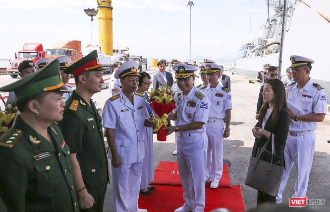 Đội tàu khu trục Hải quân Hàn Quốc chính thức thăm Đà Nẵng ảnh 1