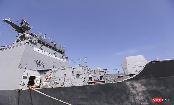Đội tàu khu trục Hải quân Hàn Quốc chính thức thăm Đà Nẵng ảnh 6