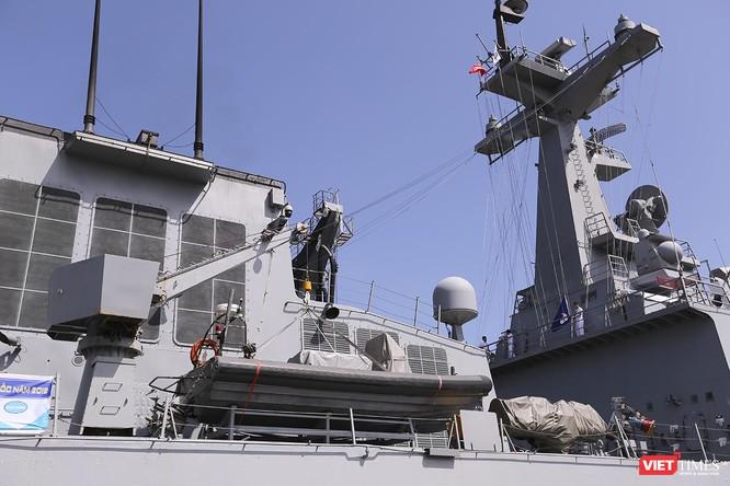Đội tàu khu trục Hải quân Hàn Quốc chính thức thăm Đà Nẵng ảnh 11