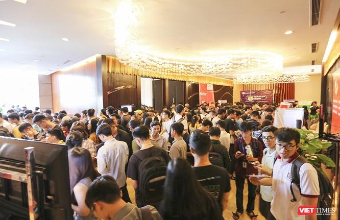 """Gần 1.000 người yêu công nghệ đến Đà Nẵng để """"trải nghiệm"""" DevFest-Hackathon 2019 ảnh 1"""