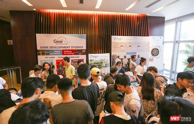 """Gần 1.000 người yêu công nghệ đến Đà Nẵng để """"trải nghiệm"""" DevFest-Hackathon 2019 ảnh 2"""