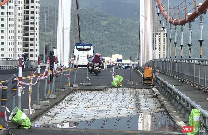 Đà Nẵng: Thay tiếp lớp phủ mặt cầu Thuận Phước bằng công nghệ mới ảnh 1