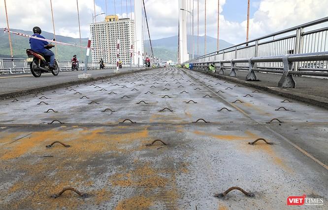 Đà Nẵng: Thay tiếp lớp phủ mặt cầu Thuận Phước bằng công nghệ mới ảnh 2