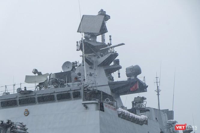 Cận cảnh chiến hạm tàng hình đa nhiệm Hải quân Ấn Độ ở Đà Nẵng ảnh 6