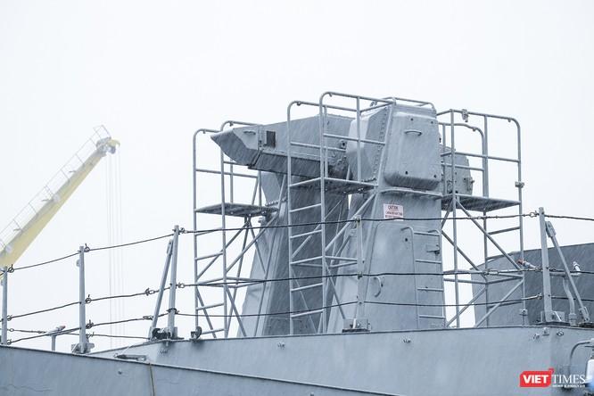 Cận cảnh chiến hạm tàng hình đa nhiệm Hải quân Ấn Độ ở Đà Nẵng ảnh 2