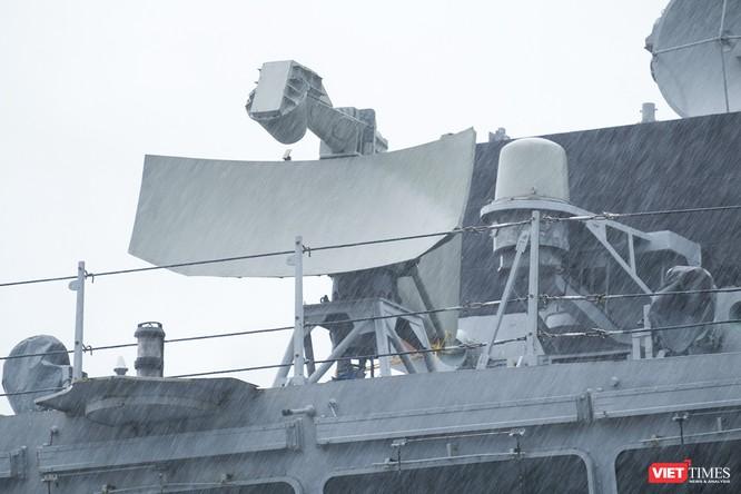 Cận cảnh chiến hạm tàng hình đa nhiệm Hải quân Ấn Độ ở Đà Nẵng ảnh 3