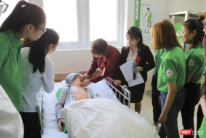 Đà Nẵng có phòng thực hành điều dưỡng tiêu chuẩn y tế Nhật Bản đầu tiên ảnh 1