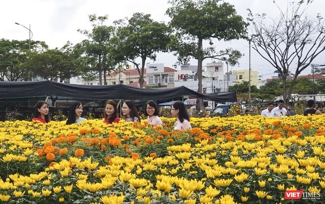 Ảnh: Rộn ràng chợ hoa xuân Đà Nẵng ảnh 22