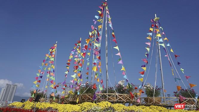 Đà Nẵng: Đến đường hoa Bạch Đằng, thấy Tết Canh Tý đang về rất gần ảnh 2