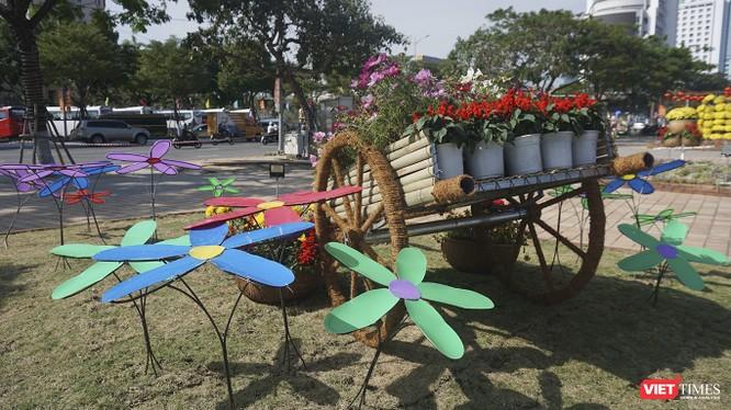 Đà Nẵng: Đến đường hoa Bạch Đằng, thấy Tết Canh Tý đang về rất gần ảnh 3