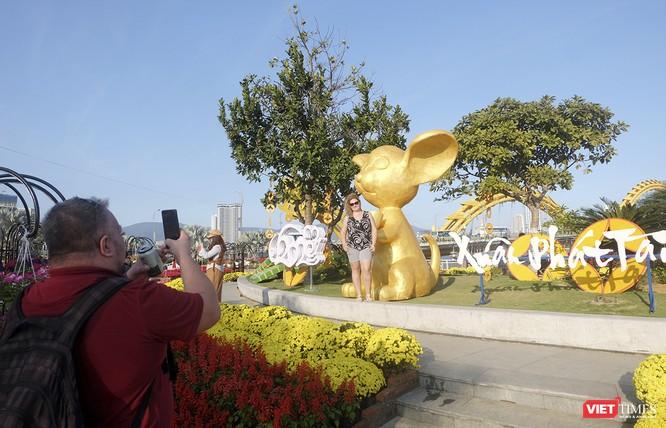 Đà Nẵng: Đến đường hoa Bạch Đằng, thấy Tết Canh Tý đang về rất gần ảnh 9