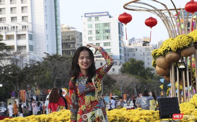 Đà Nẵng: Đến đường hoa Bạch Đằng, thấy Tết Canh Tý đang về rất gần ảnh 14