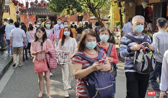 Quảng Nam: Cách ly 40 du khách cùng chuyến bay với bệnh nhân COVID-19 số 17 ảnh 1