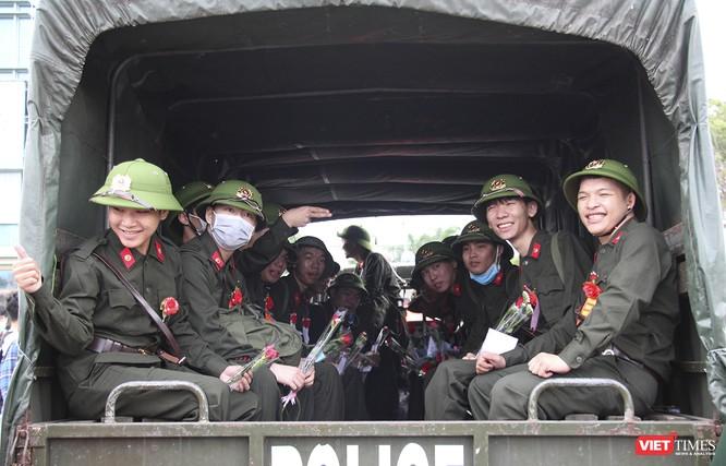 Đà Nẵng: 100% thanh niên nhập ngũ được kiểm tra dịch tễ, đo thân nhiệt trong ngày tuyển quân ảnh 10