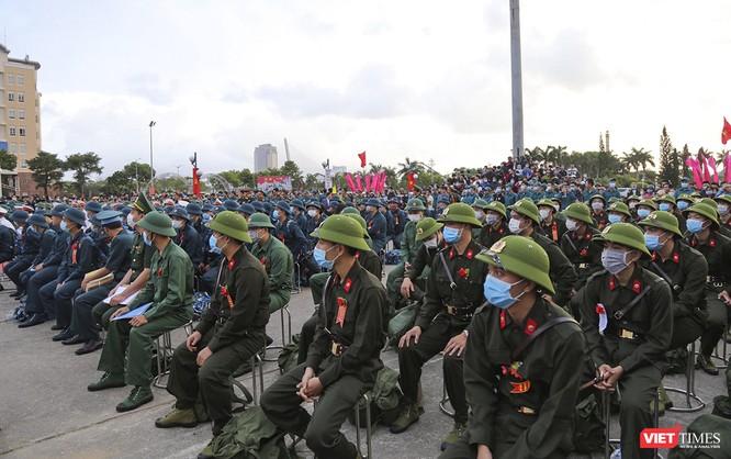 Đà Nẵng: 100% thanh niên nhập ngũ được kiểm tra dịch tễ, đo thân nhiệt trong ngày tuyển quân ảnh 1