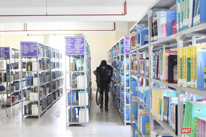 Ảnh: Ngày đầu sinh viên ở Đà Nẵng đến trường sau 4 tuần nghỉ phòng dịch COVID-19 ảnh 13
