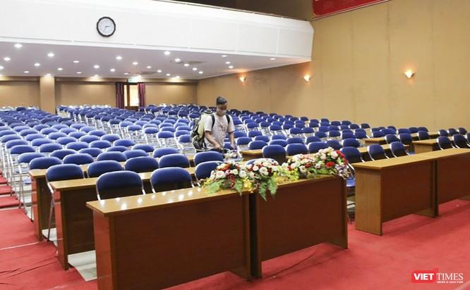 Ảnh: Ngày đầu sinh viên ở Đà Nẵng đến trường sau 4 tuần nghỉ phòng dịch COVID-19 ảnh 14