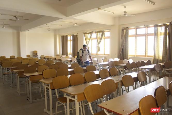 Ảnh: Ngày đầu sinh viên ở Đà Nẵng đến trường sau 4 tuần nghỉ phòng dịch COVID-19 ảnh 15