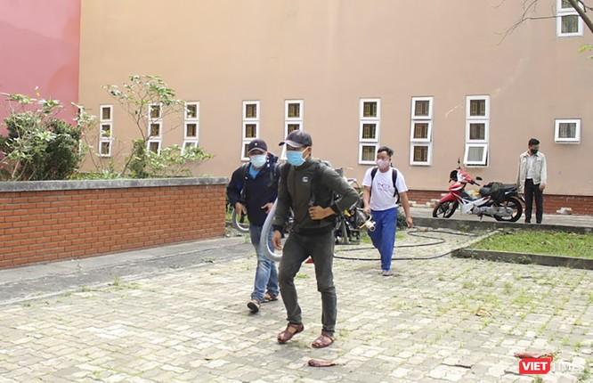 Ảnh: Ngày đầu sinh viên ở Đà Nẵng đến trường sau 4 tuần nghỉ phòng dịch COVID-19 ảnh 16