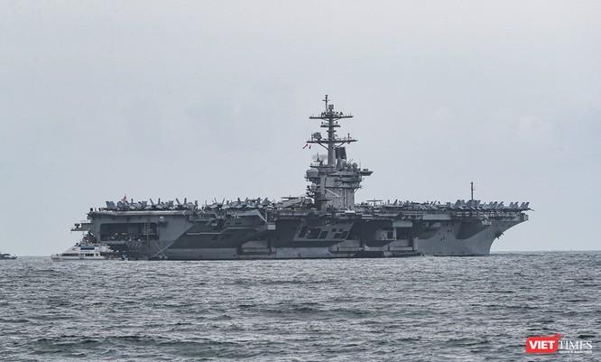 Cận cảnh sức mạnh tàu sân bay USS Theodore Roosevelt của Hải quân Hoa Kỳ ở Đà Nẵng ảnh 6