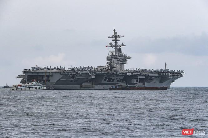 Cận cảnh sức mạnh tàu sân bay USS Theodore Roosevelt của Hải quân Hoa Kỳ ở Đà Nẵng ảnh 4