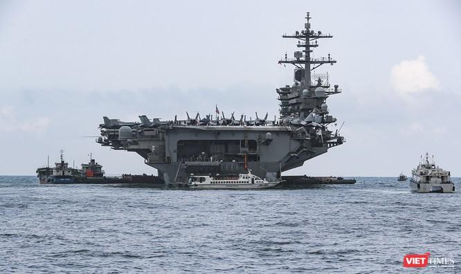 Cận cảnh sức mạnh tàu sân bay USS Theodore Roosevelt của Hải quân Hoa Kỳ ở Đà Nẵng ảnh 5