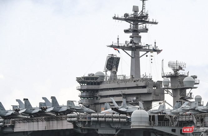 Cận cảnh sức mạnh tàu sân bay USS Theodore Roosevelt của Hải quân Hoa Kỳ ở Đà Nẵng ảnh 9