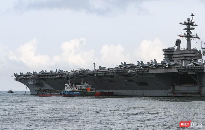 Cận cảnh sức mạnh tàu sân bay USS Theodore Roosevelt của Hải quân Hoa Kỳ ở Đà Nẵng ảnh 10