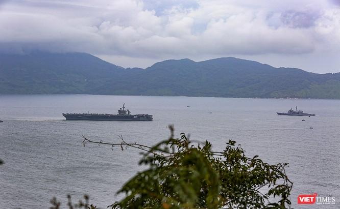 Cận cảnh sức mạnh tàu sân bay USS Theodore Roosevelt của Hải quân Hoa Kỳ ở Đà Nẵng ảnh 20