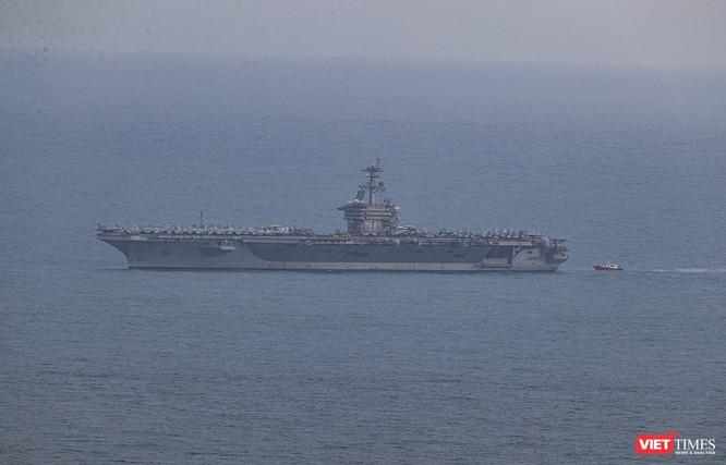 Cận cảnh sức mạnh tàu sân bay USS Theodore Roosevelt của Hải quân Hoa Kỳ ở Đà Nẵng ảnh 21
