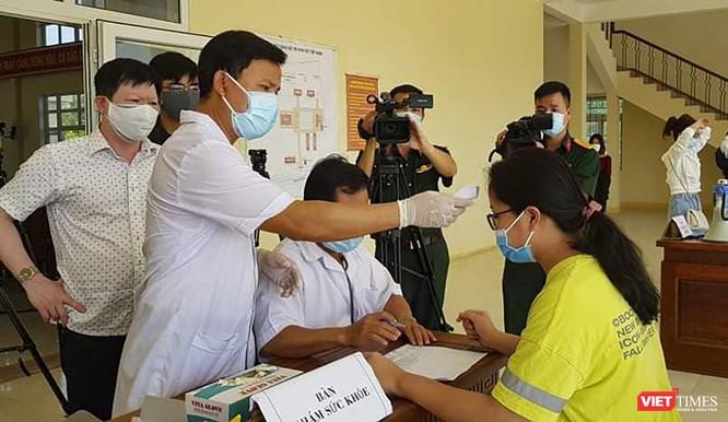 Đà Nẵng: 57 công dân Việt Nam đầu tiên rời trung tâm cách ly tập trung ảnh 1