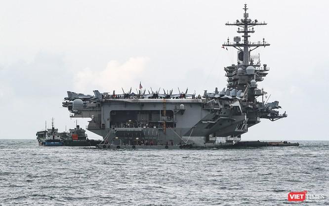 Toàn cảnh chuyến thăm của đội tàu USS Theodore Roosevelt (CVN-71) ở Đà Nẵng ảnh 14