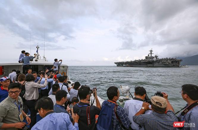 Toàn cảnh chuyến thăm của đội tàu USS Theodore Roosevelt (CVN-71) ở Đà Nẵng ảnh 13