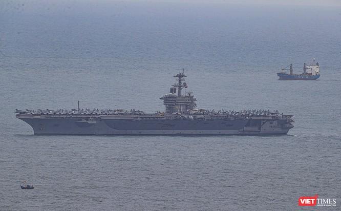 Toàn cảnh chuyến thăm của đội tàu USS Theodore Roosevelt (CVN-71) ở Đà Nẵng ảnh 3