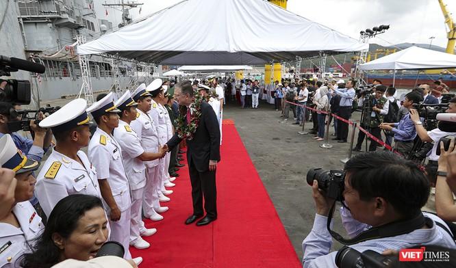 Toàn cảnh chuyến thăm của đội tàu USS Theodore Roosevelt (CVN-71) ở Đà Nẵng ảnh 9