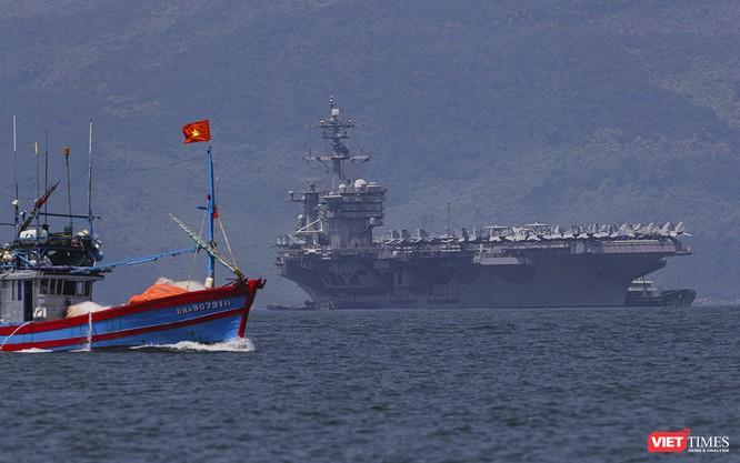 Toàn cảnh chuyến thăm của đội tàu USS Theodore Roosevelt (CVN-71) ở Đà Nẵng ảnh 67