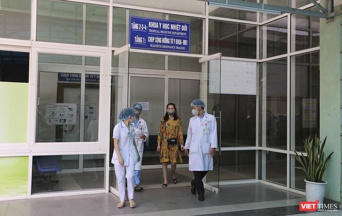 Đà Nẵng: 3 bệnh nhân mắc COVID-19 xuất viện ảnh 6