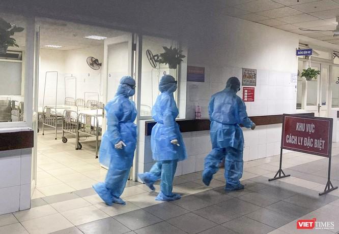Tất cả các trường hợp nghi ngờ mắc COVID-19 đều chỉ định xét nghiệm SARS-CoV-2 ảnh 1
