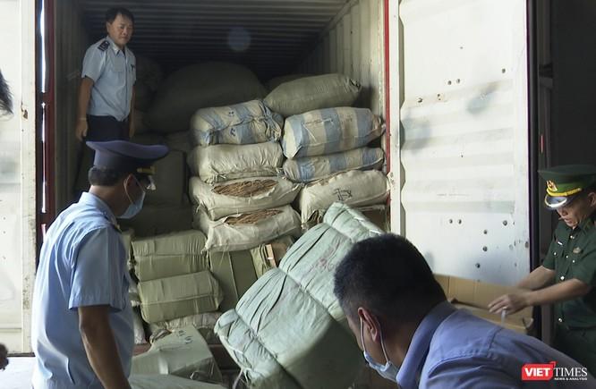 Đà Nẵng: Phát hiện gần 100 tần thảo dược núp bóng rau quả ảnh 2