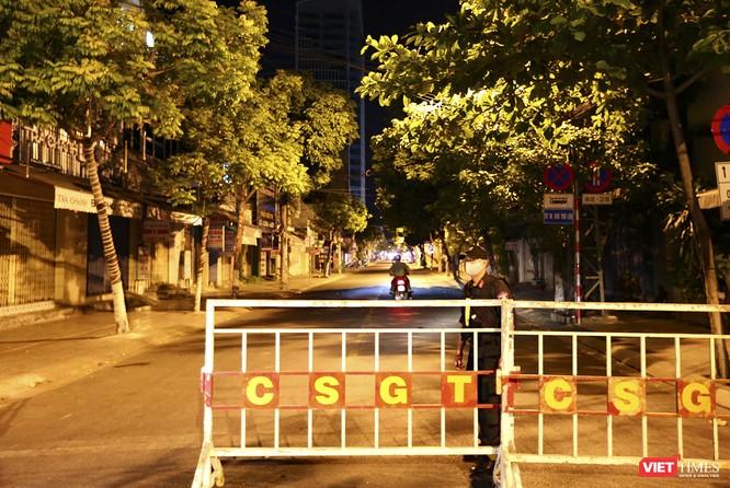 Ảnh: Đà Nẵng chính thức phong tỏa 3 bệnh viện để phòng COVID-19 ảnh 13