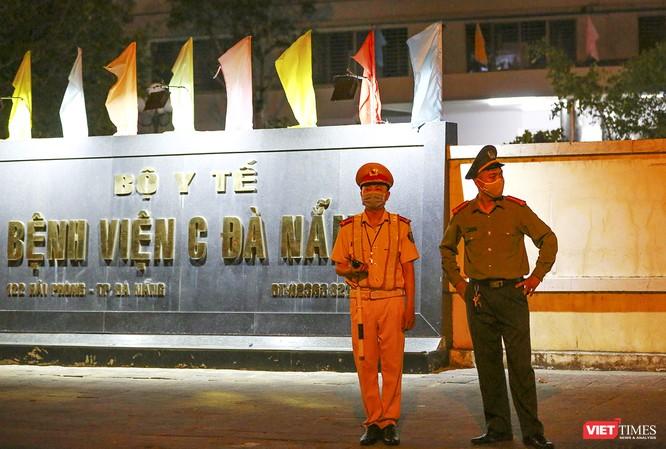 Ảnh: Đà Nẵng chính thức phong tỏa 3 bệnh viện để phòng COVID-19 ảnh 10